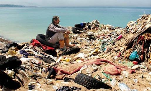 """Trashed"", Jeremy Irons e i rifiuti in dvd"