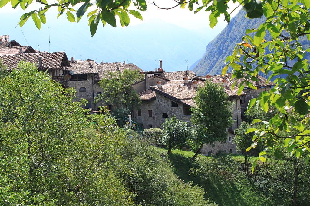 Borghi più belli in Trentino-Alto Adige (1): Canale di Tenno (TN)